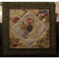 Miniquilt Flower ITH